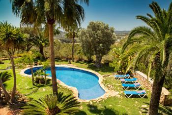 Finca für 8 Personen mit Pool und Gartenanlage