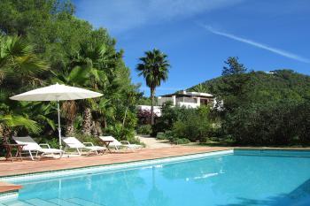 biza Finca mit Pool, Garten, Zentralheizung